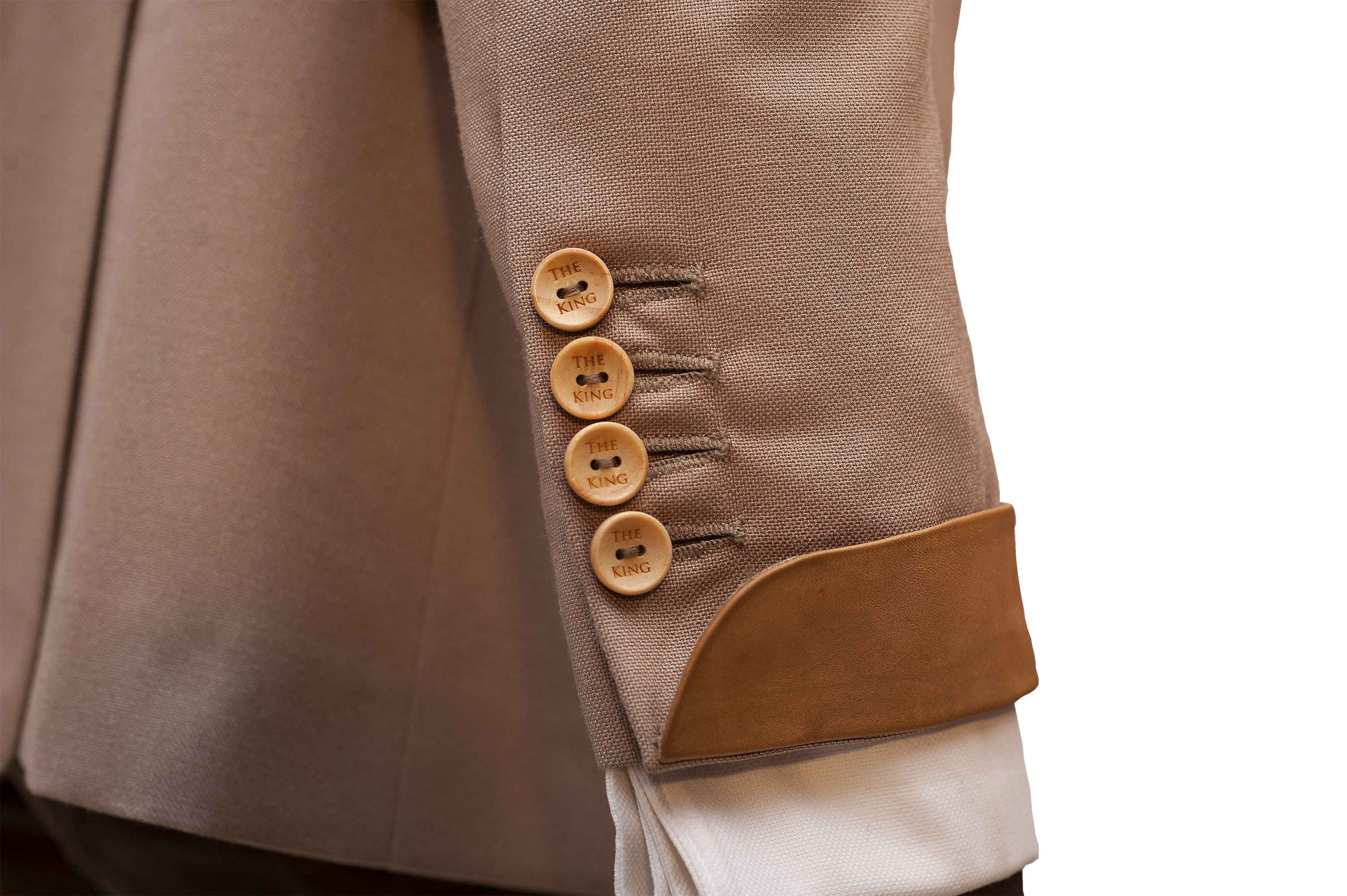 wooden buttons King Sidney exclusive