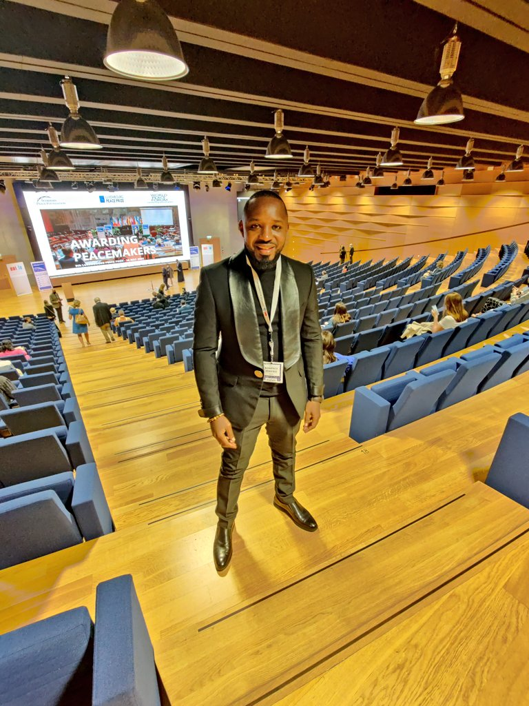 Boniface Mwangi Luxembourg tuxedo kenya